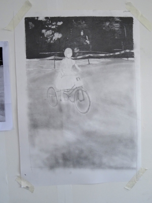 160610 Su on tricycle 01 graphite powder for web