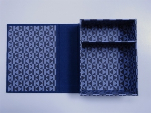 160626 Sarah Bryant workshop at LCBA 02 interior of magnet closure box for web